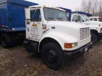 1997 International 4900, c/w: International D