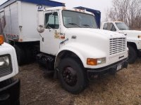 1999 International 4900, c/w: International D